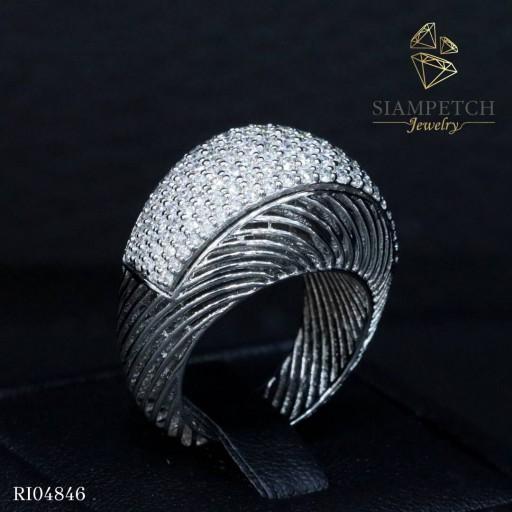 แหวนเพชรแถวหน้ากว้างน้ำหนัก 1.70 กะรัต เพชรน้ำ100 RI04846