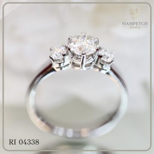 แหวนหมั้นเพชร GIA 0.71 กะรัต RI04338