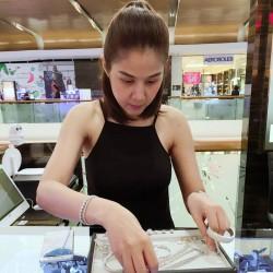 ร้านเพชรสยามเพชรส่งมอบเพชรน้ำงามแหวนเพชร แหวนหมั้นเพชร พร้อมด้วยรอยยิ้ม