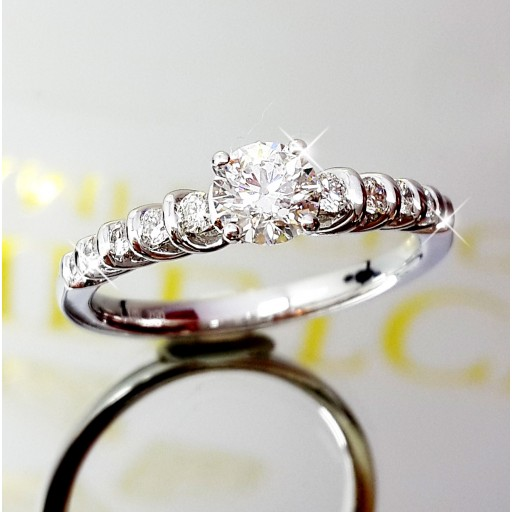 แหวนเพชรเม็ดกลางใบเซอร์ GIA  0.43กะรัต น้ำ98